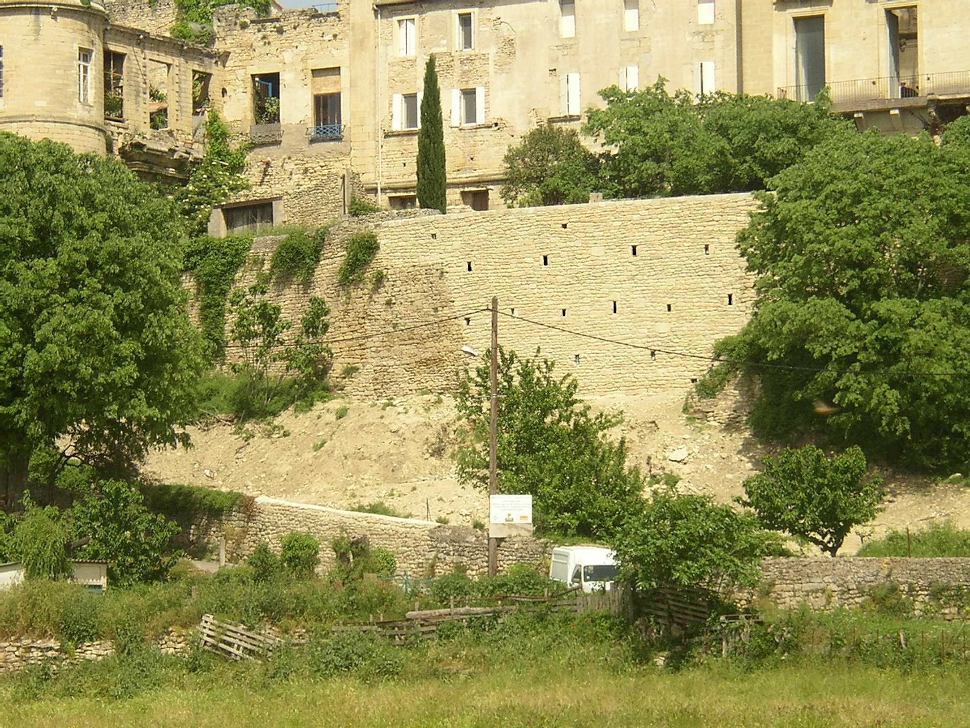 Desportes Rénovation Gard : Nouveau mu de soutènement du château d'Aubais