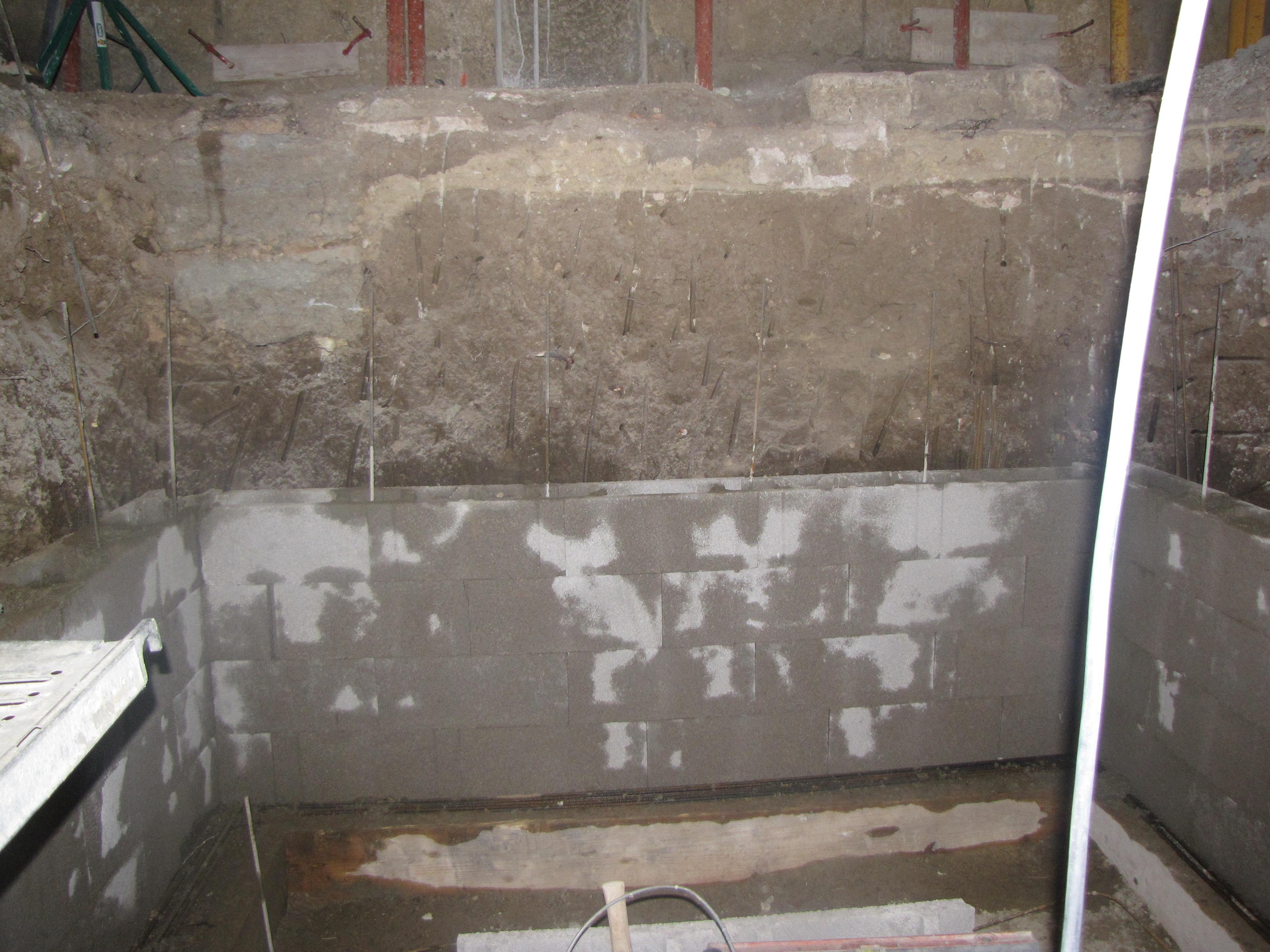 Desportes Rénovation Gard : coulage des fondations d'une cave