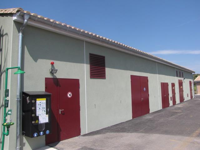 Desportes rénovation, bâtiment industriel extérieurs et accès au bâtiment fini STEP Sommières 30