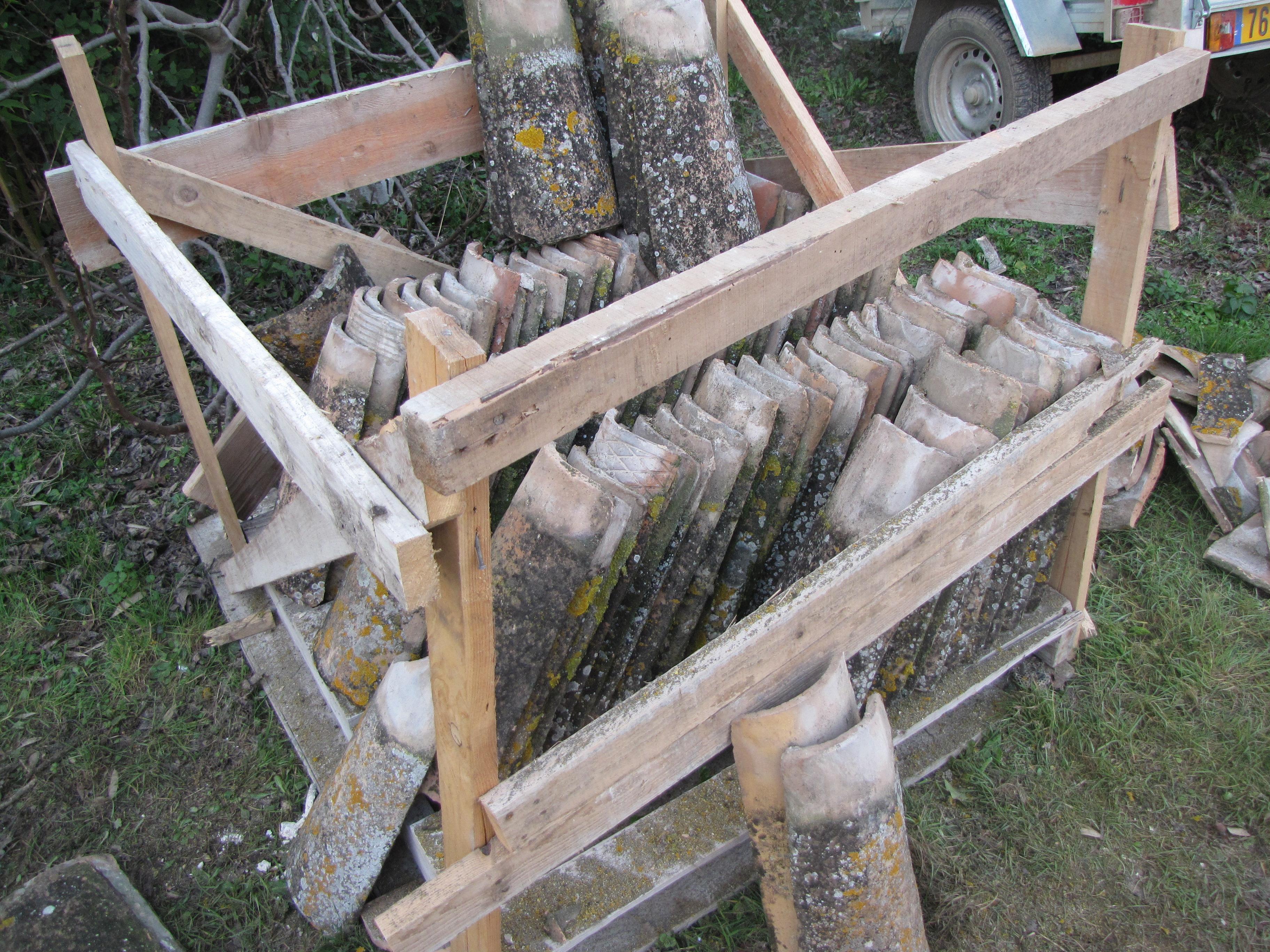 Desportes rénovation, 30. Mas : Réutilisations des tuiles anciennes récupérées lors du démontage de la toiture.
