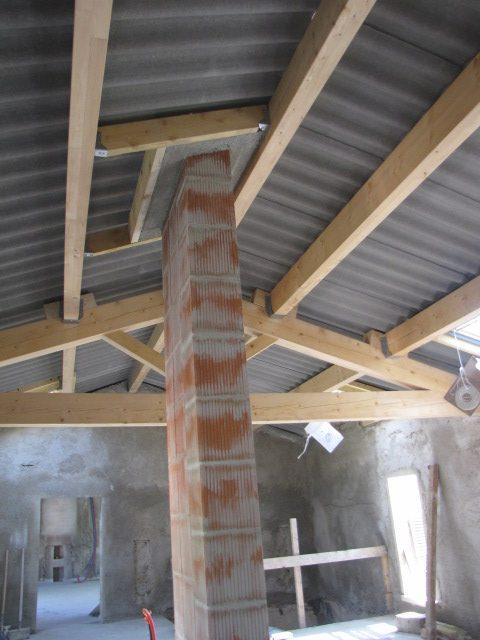Desportes rénovation, Fonfroide 30 nouvelles charpente et toiture et création d'un conduit de cheminée.