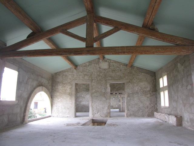 Desportes Rénovation Gard. Mas le Caillar, rénovation de la charpente et isolation sous toiture de type sandwich